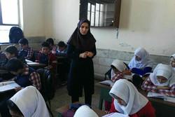 حقوق معلمان در خزانه گیر کرده است/معلمی بدون دستمزد