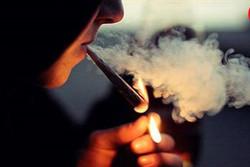 زنان سیگاری