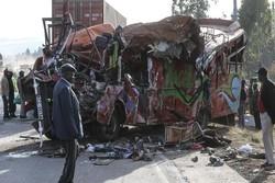Kenya'da otobüsle tır birbirine girdi! 36 ölü