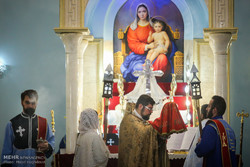 """Tahran'daki Ermeni """"Targmanças Kilisesi""""nde yılbaşı töreni"""