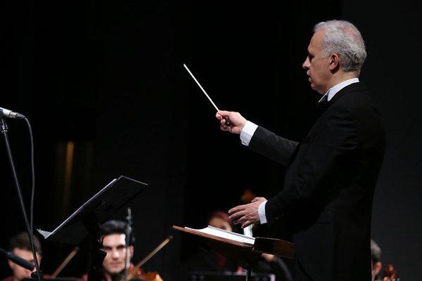 خاطرهبازی با جواد معروفی در وحدت/ ارکستر «مهر» مینوازد