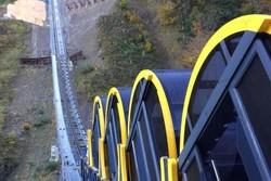 با کابین های غلتان در مرتفع ترین ریل اروپا سفر کنید