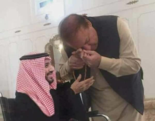 نواز شریف کی تصویر دیکھ کر پاکستانیوں کے سر شرم سے جھک گئے