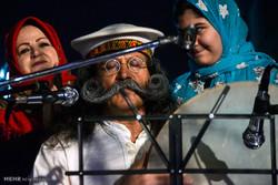 """مهرجان """"ذكريات الكرسي مع الجد والجدة"""" في طهران / صور"""