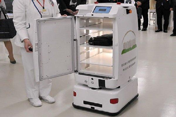 ربات ها شیفت شب یک بیمارستان را اداره می کنند