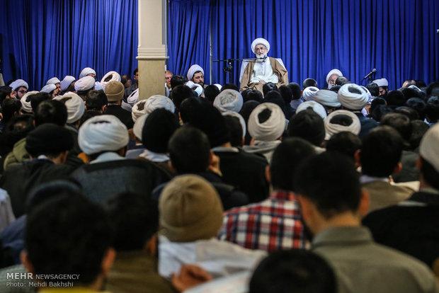 تجمع الطلاب الحوزويين لإدانة اعمال الشغب الاخيرة