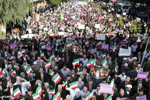 راهپیمایی مردم همدان در اعتراض به اغتشاشگران برگزار شد