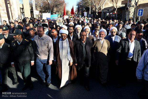مراسم تشییع شهید سجاد شاهسنایی در نجف آباد اصفهان