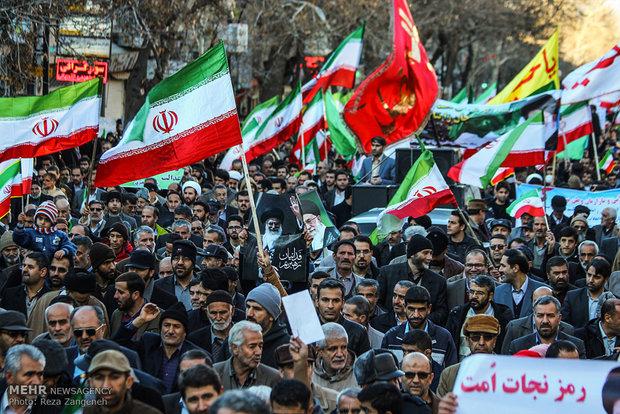 تجمع و راهپیمایی مردمی در اعتراض به آشوب های اخیر در همدان