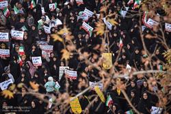 تجمع و راهپیمایی مردمی در اعتراض به آشوب های اخیر در شیراز