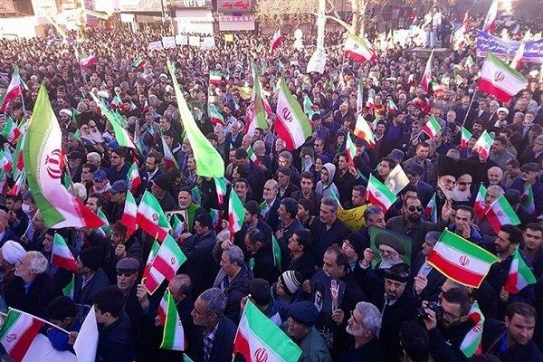راهپیمایی پرشور مردم شیراز در محکومیت اغتشاشات اخیر