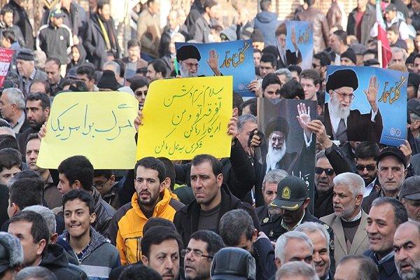 مظاهرات مليونية تردد هتافات تأييداً للثورة ورفضا للتدخل الاجنبي