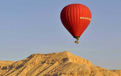 مقتل سائحة بتحطم منطاد بالأقصر جنوبي مصر