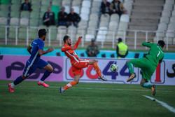 دیدار تیم های فوتبال سایپا و استقلال خوزستان