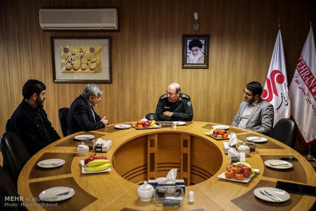 """العميد """"حسين دهقان"""" يزور مقر وكالة مهر للأنباء"""