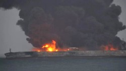 Iranian oil tanker collides with Chinese freighter, 32 missing