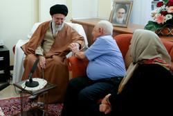 The sweet evening of Ayatollah Khamenei's visit to Christian martyr's family