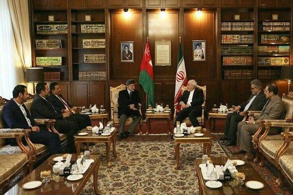 Zarif, Umman Dışişleri Bakanı'yla görüştü