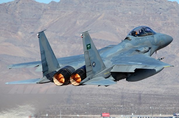 VIDEO: Yemeni forces shoot down Saudi F-15 jet over Sana'a