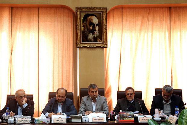 جلسه ویژه کمیسیون اقتصادی مجلس با سه عضو دولت