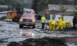 13 قتيلا على الاقل في فيضانات وانهيارات ارضية في كاليفورنيا
