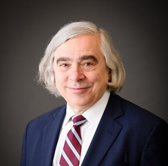 Moniz: U.S. pullout from nuclear deal is 'gift' to Iran
