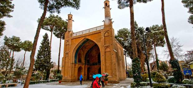 Isfahan attracts half million foreign tourists in 9 months