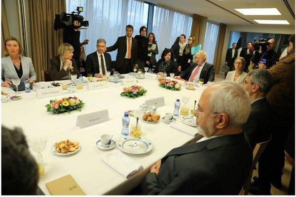 اجتماع مشترك بين ظريف ونظرائه البريطاني والفرنسي والالماني في بروكسل