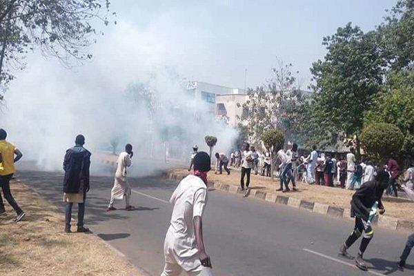 حمله پلیس نیجریه به معترضان شیعه چندین کشته و مجروح برجای گذاشت