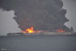 على لاريجاني يوعز بمتابعة حادثة ناقلة النفط الإيرانية
