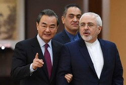 Zarif talks to Chinese counterpart on trapped Iranian crew