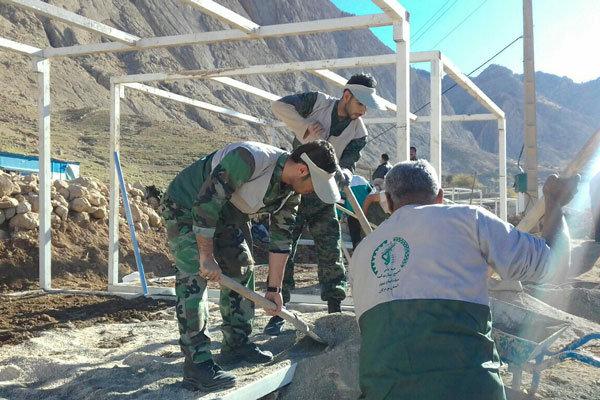 ۱۶ گروه جهادی از قزوین به مناطق زلزله زده کرمانشاه اعزام شدند