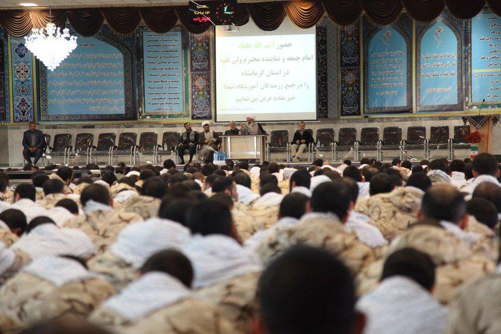 نماینده ولیفقیه در استان کرمانشاه مطرح کرد: ایران اسلامی با اتکا به خدا مقابل ابرقدرتها ایستاد
