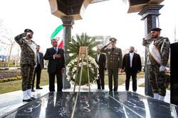 دیدار رانا تنویر حسین وزیر تولیدات دفاعی پاکستان با  امیر سرتیپ حاتمی وزیر دفاع