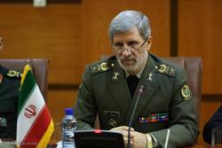 İran Savunma Bakanı, Özbekistanlı mevkidaşıyla görüştü
