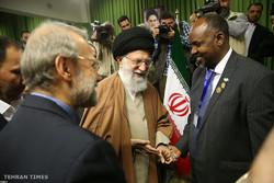 استقبال قائد الثورة للمشاركين في مؤتمر البرلمانات الإسلامية