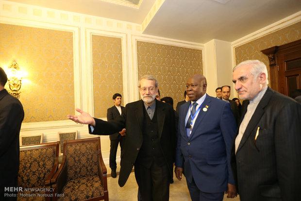 لقاءات لاريجاني على هامش مؤتمر رؤساء برلمانات الدول الاسلامية