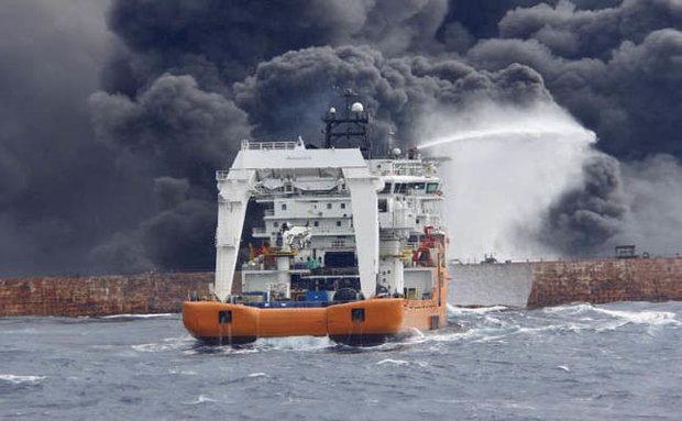 الصين: كارثة بيئية بسبب ناقلة النفط الإيرانية المنكوبة