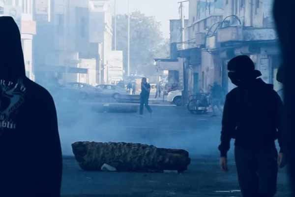 سرکوب تظاهرات در منطقه الدراز محل سکونت آیت الله عیسی قاسم