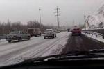 بارش برف راه ارتباطی ۶۰ روستای کردستان را مسدود کرد
