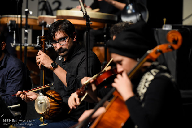 Music performances staged on 7th night of Fajr Music Festival