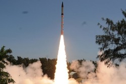 هند یک موشک بالستیک با قابلیت حمل کلاهک هستهای آزمایش کرد