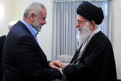 Hamas felicitates Iran's Leader on Islamic Revolution anniv.