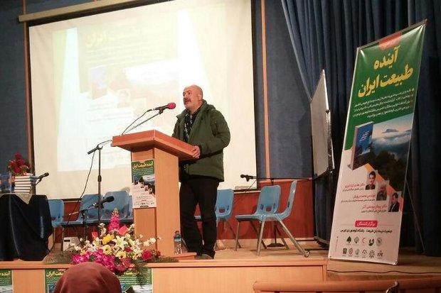 چیدمان توسعه در اصفهان موجب وابستگی معیشتی به منابع آب و خاک  است