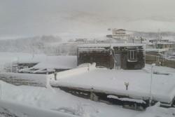 بارش سنگین برف طی شب گذشته در لرستان