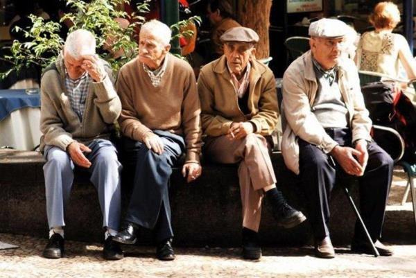 سونامی سالمندان در انتظار استان فارس است