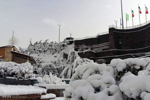 Snow blankets Delfan County in Lorestan Province