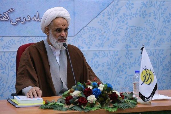 تبلیغ اسلام و تشیع منهای گفتمان انقلاب، ظلم به دین است