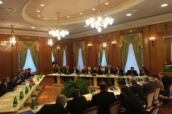 """عقد الاجتماع التمهيدي لمؤتمر """"سوتشي"""" بين ايران وروسيا وتركيا"""
