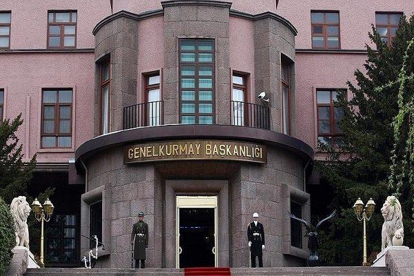رئیس ستاد مشترک ارتش ترکیه با همتایان روسی و آمریکائی رایزنی کرد
